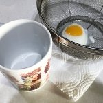 オリジナルマグカップを使って、50秒で温泉卵を作る方法!