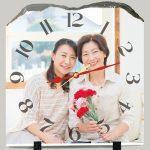 母の日に何を贈る?変わったプレゼントならオリジナル時計